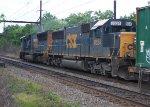 CSX 8524 on Q703